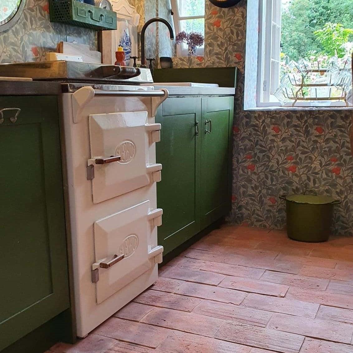 reclaimed terracotta tile in kitchen