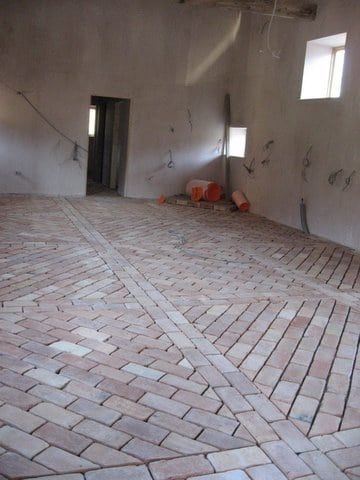 how to lay a brick tile floor